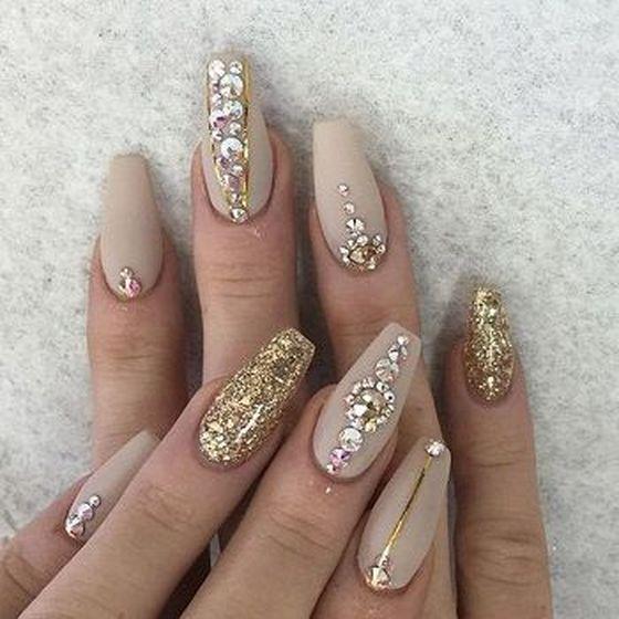 bezhevyi-manicure-120.jpg