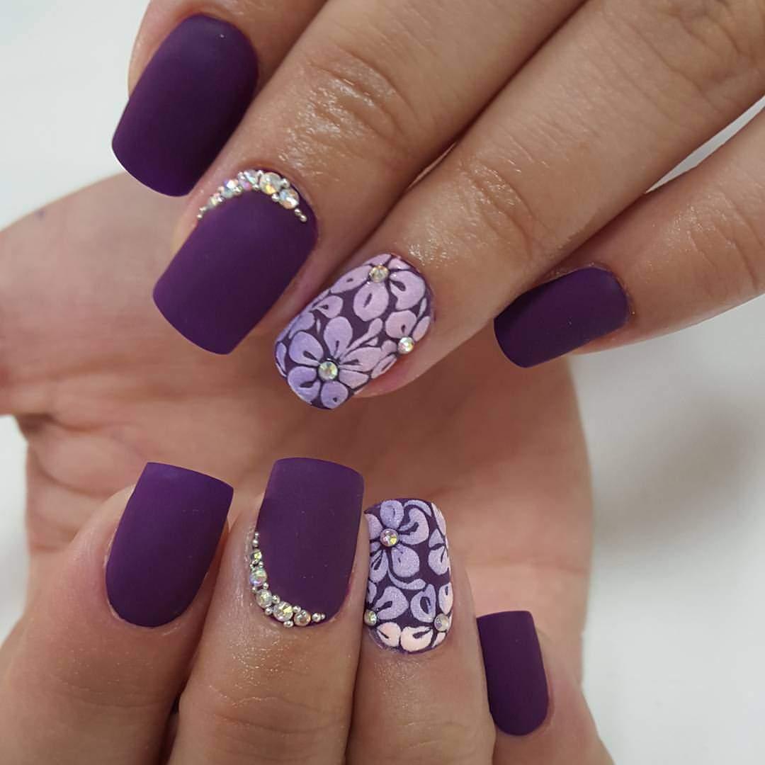 fioletovyi-manicure-002 Фиолетовый маникюр 2019-2020, фиолетовый дизайн ногтей, маникюр фиолетового цвета