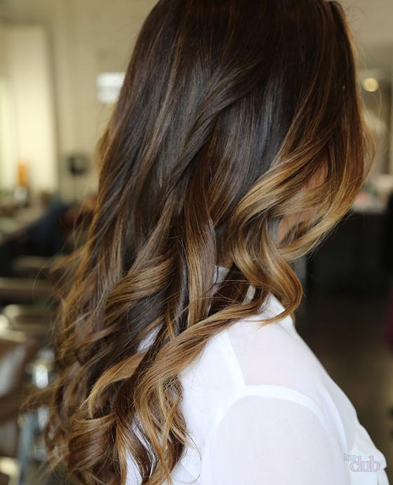 Покраска перьями на темные волосы