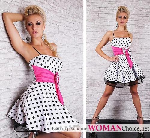 Платье с розовой лентой