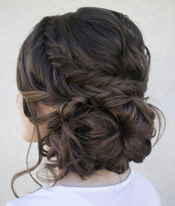 pricheski-na-dlinnye-volosy-na-vypusknoj-001 Прически на длинные волосы на выпускной 2019 - 129 фото