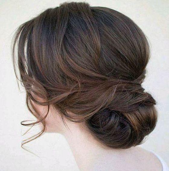 pricheski-na-dlinnye-volosy-na-vypusknoj-003 Прически на длинные волосы на выпускной 2019 - 129 фото