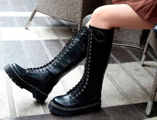 ffc8f5c9a Текстильные осенние сапоги или резиновые ботинки нисколько не уступают  актуальным трендам: сапогам на платформе из меха или замши.