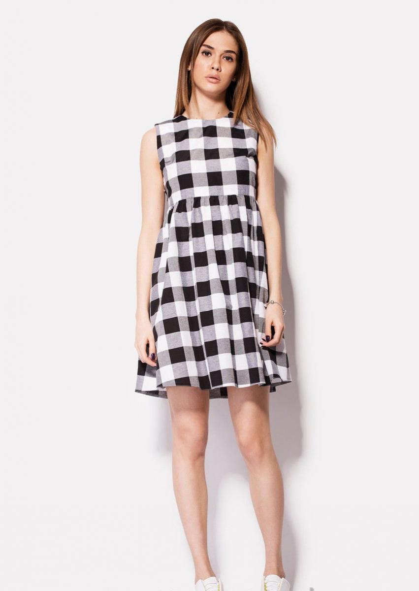 dd3dd45521fbfb2 Белое-серое платье будет хорошо смотреться и как теплый вариант для зимней  стужи, и как легкое летнее платье из ситца или атласа.