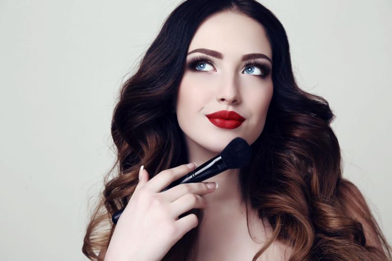 Как сделать вечерний макияж самостоятельно
