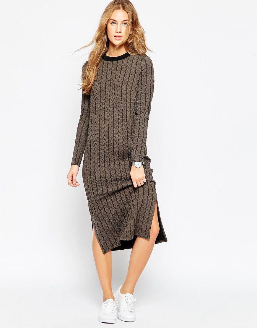 d6f9b727d2ea6d7 Платье с вырезом на юбке продемонстрирует красоту и стройность ног.  Эффектно смотрится образ длинного платья в пол с открытыми плечами и  вырезом на юбке до ...